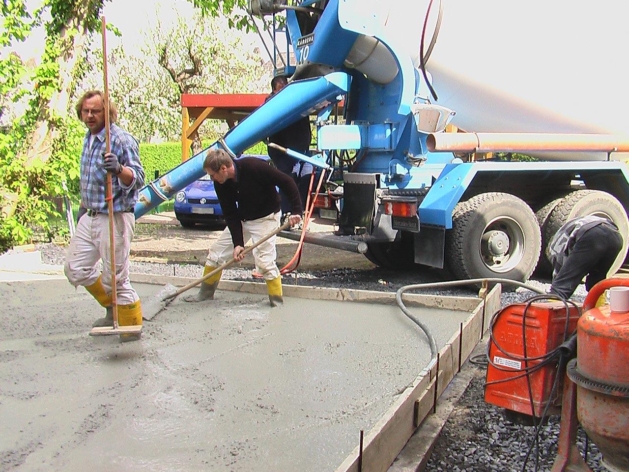 Anbau / Neubauarbeiten einer Garage - Fundament